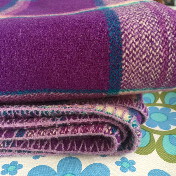 ALL WOOL Blanket Bedspread CRAFT Sewing PURPLE