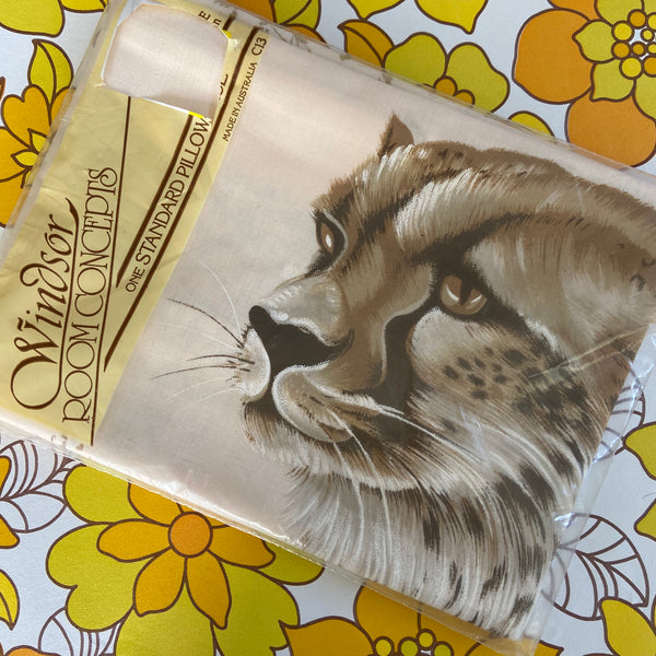 CHEETAH Pillow CASE Kids Boys BEDROOM Retro Kitsch