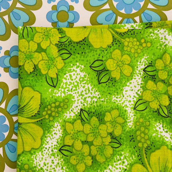 STUNNING Unused Green 70's RETRO Pillow Case