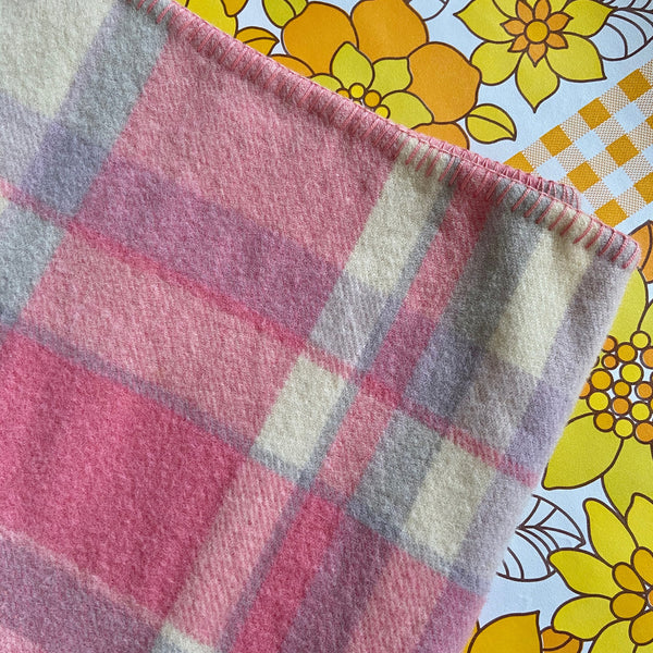 PINK & Cream Wool Blanket RETRO Bed Home Fabric