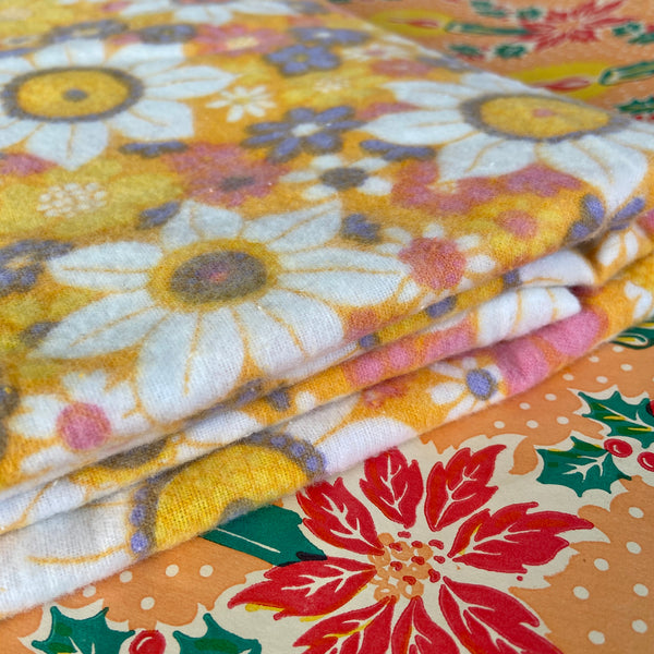UNUSED Flannelette SHEET RETRO Fabric Home Bedding