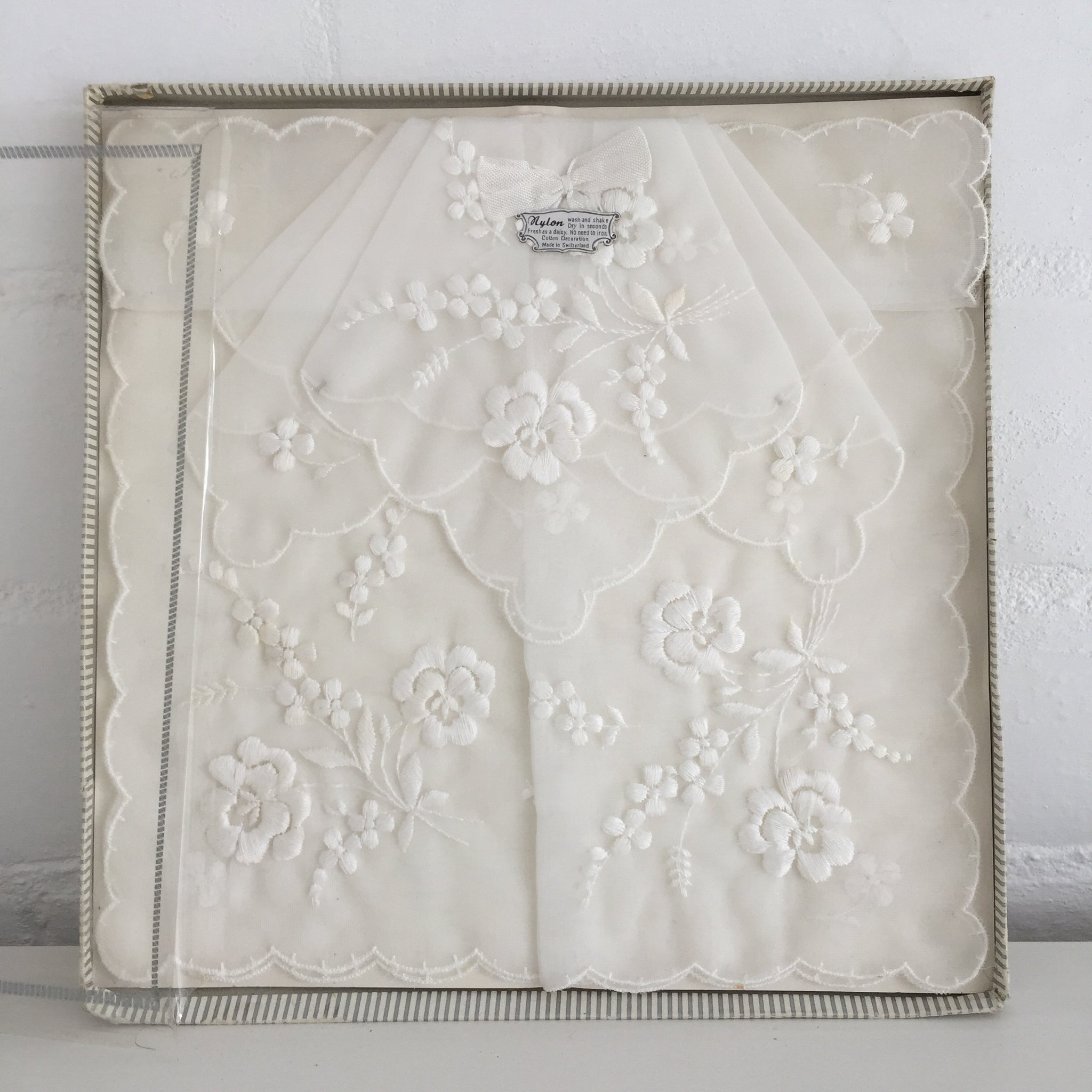 SWITZERLAND Boxed Hankies EMBROIDERED White VINTAGE