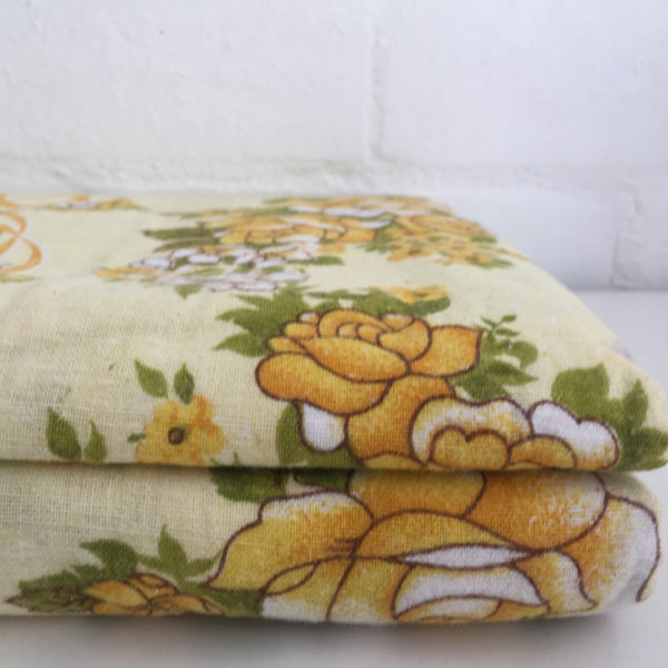 ADORABLE Vintage Sheet Yellow FLORAL Unused in PACK