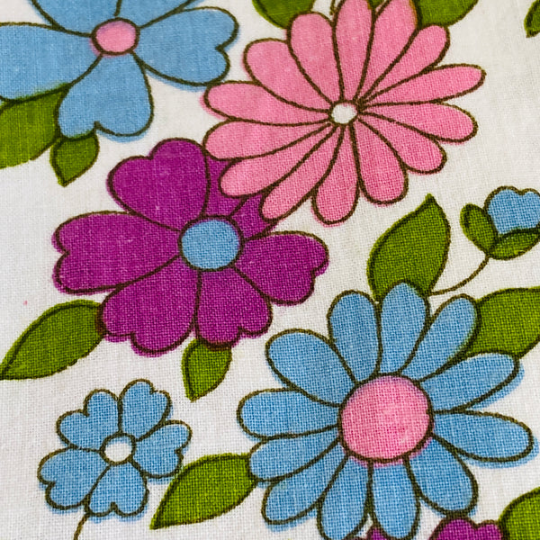 FAT QUARTER Flower POWER Sheet VINTAGE All Cotton Retro Quilting