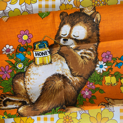 WALL HANGING Tea Towel UNUSED Retro Bear FLORAL