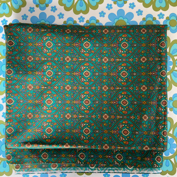 Cute Cotton Paisley FABRIC GREEN Vibrant Good Quality Medium Weight