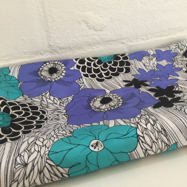 Vintage Floral BOLD Gorgeous Fabric Sewing Project Retro