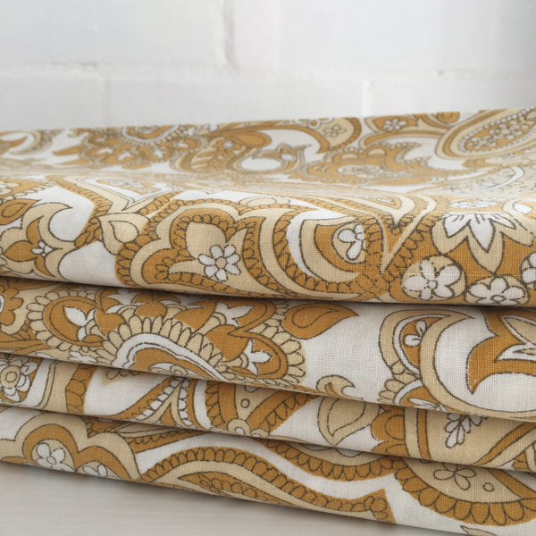 VINTAGE Paisley Sheet FABRIC Cotton Beautiful RETRO PRINT