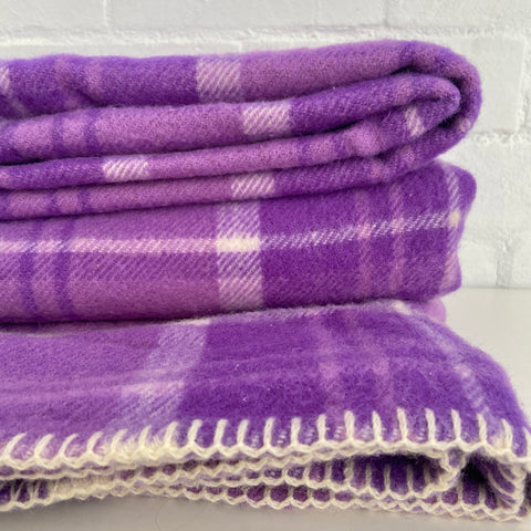 EXCELLENT Condition Stunning Vintage Purple Wool Blanket