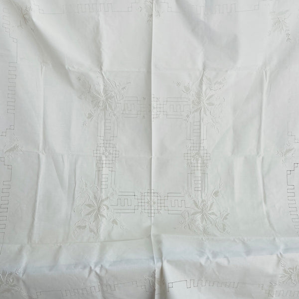 ANTIQUE Embroidered Crisp WHITE Table Cloth STUNNING Classic