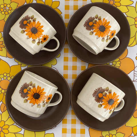 Made in Australia Retro Cups & Saucers LOVE THIS PTTERN 70's Kitchen