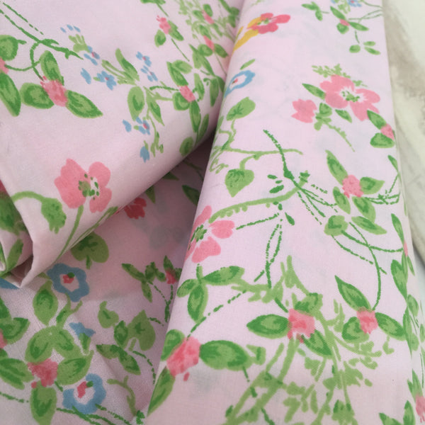 UNUSED Vintage Pair FLORAL Pillow CASES Cotton Pink GIRLS ROOM - Pink Peacock  - 4
