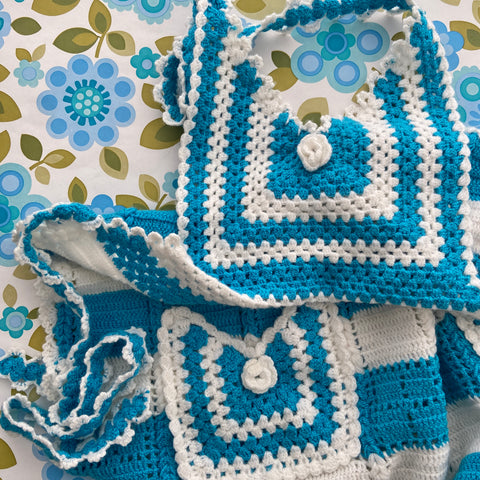 Cute Blue & White Knitted APRON Kitschy Cute