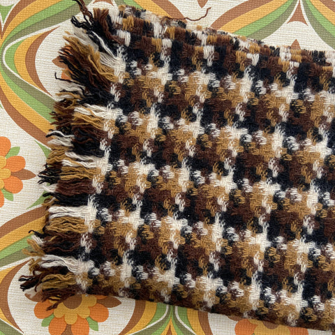 AMAZING Vintage Houndstooth Scarf Wrap 60's Fashion
