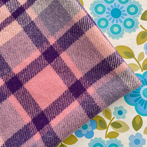 Cute Wool Vintage checked Purple Blanket Retro UP CYCLE