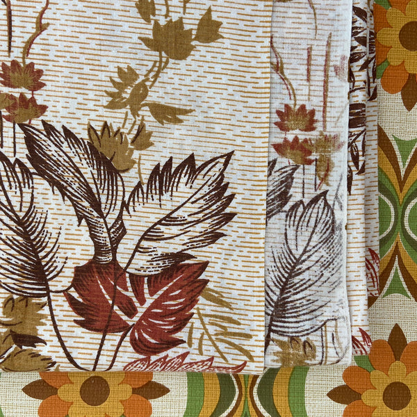UNUSED Vintage Sheet Cotton FABRIC LEAF Large Print