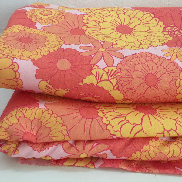 150cms WIDE FABULOUS Cotton Floral Fabric Craft Sewing RETRO Fun Orange