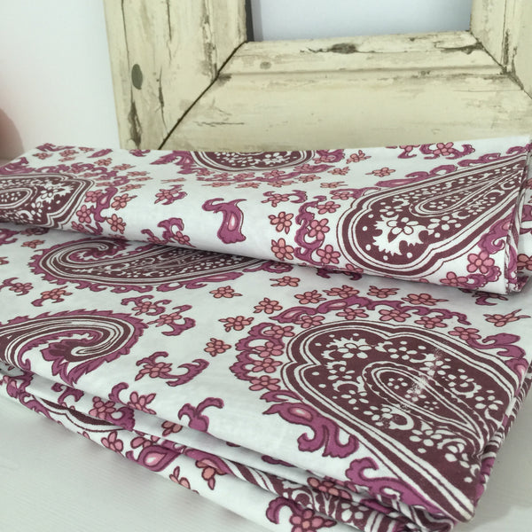 CRISP UNUSED VINTAGE Cotton Sheets x ONE PAISLEY Print FAB FABRIC - Pink Peacock  - 2