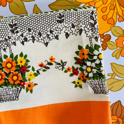 Pretty Vintage Table Cloth Floral Retro Caravan