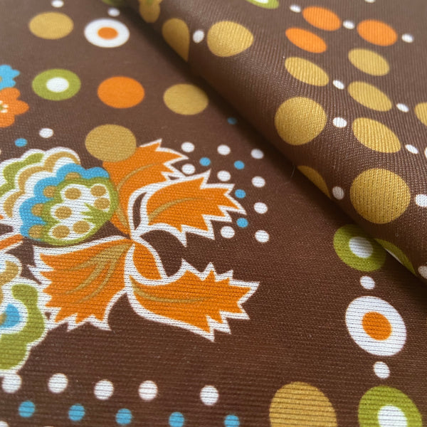 RETRO Fabric Polyester GOLD Loving this PRINT!