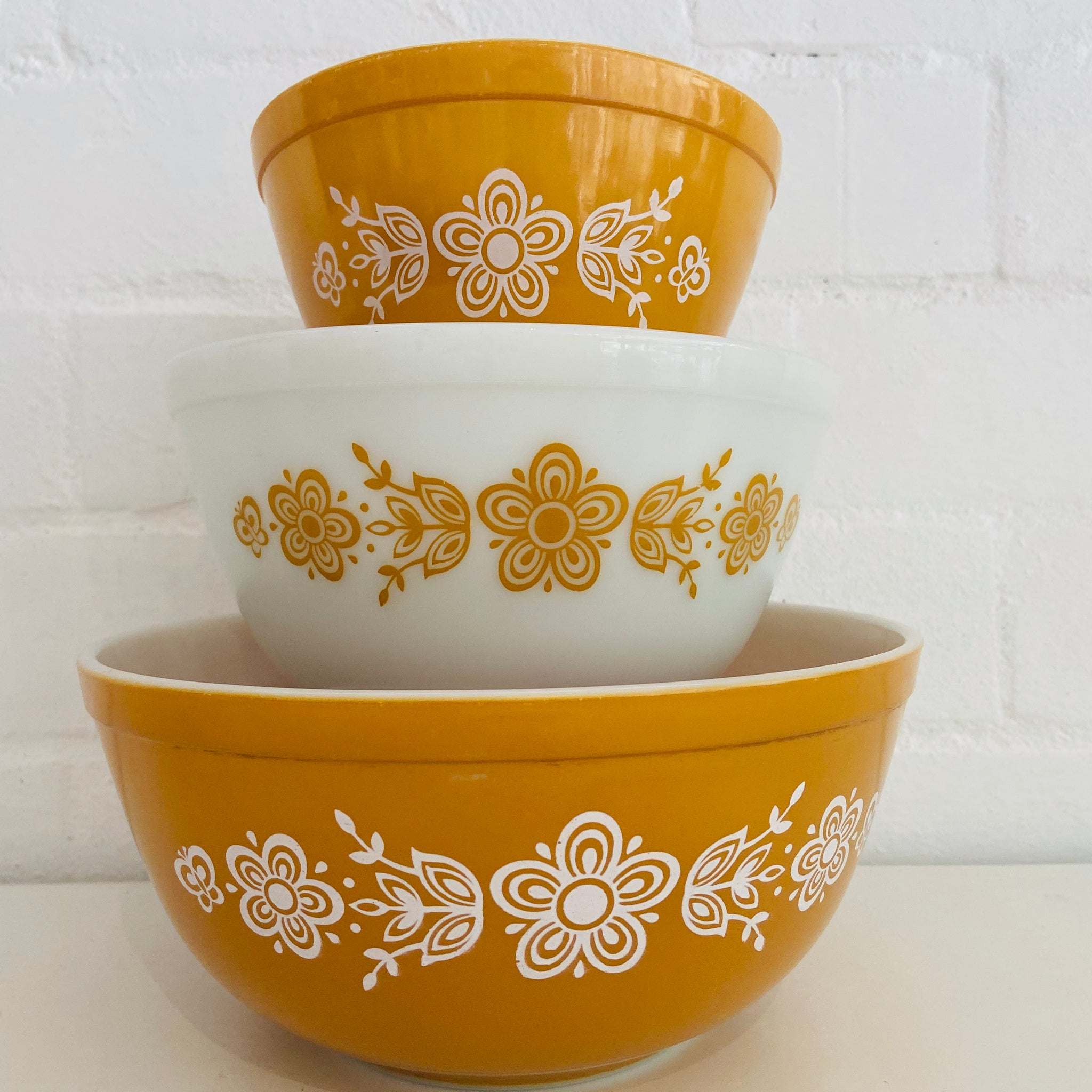Butterfly GOLD Pyrex Mixing Bowls SET 3 Mint Cond