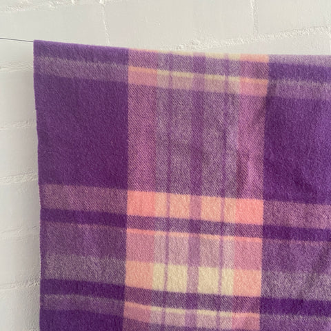AMAZING Condition PURPLE Blanket Wool Checked