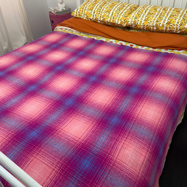 PRETTY Pink Vintage Checked Wool Blanket RETRO BED