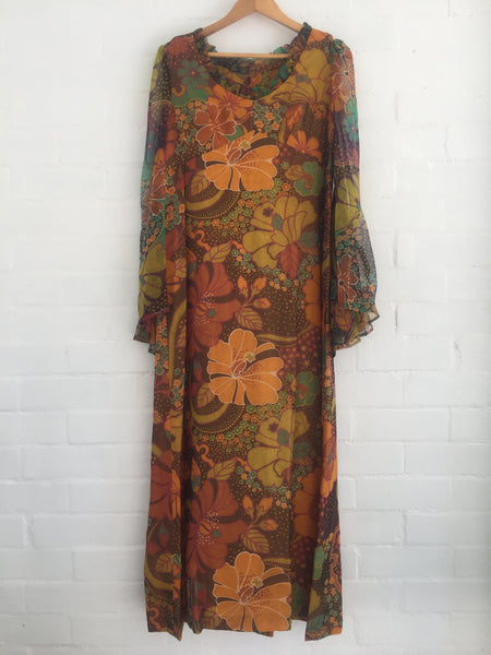 Wonderful Vintage Maxi Dress in Mint Condition PHOTO SHOOT