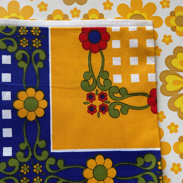 CARAVAN Camping Table Cloth RETRO All Cotton BRIGHT Perfect