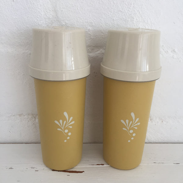 TUPPERWARE SALT & PEPPER SHAKERS Retro Picnic Caravan