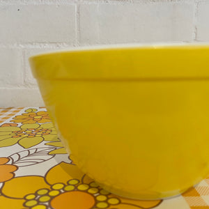 PYREX Bowl YELLOW Mixing Bowl RETRO Kitchen