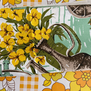 Stunning Bright Crisp Table Cloth RETRO Kitchen Dinner Party