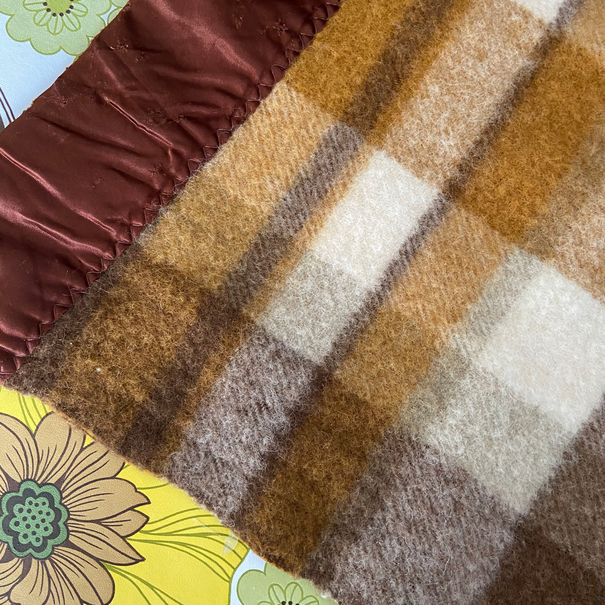 LARGE Brown Vintage 70's Checked Blanket Bright & Clean