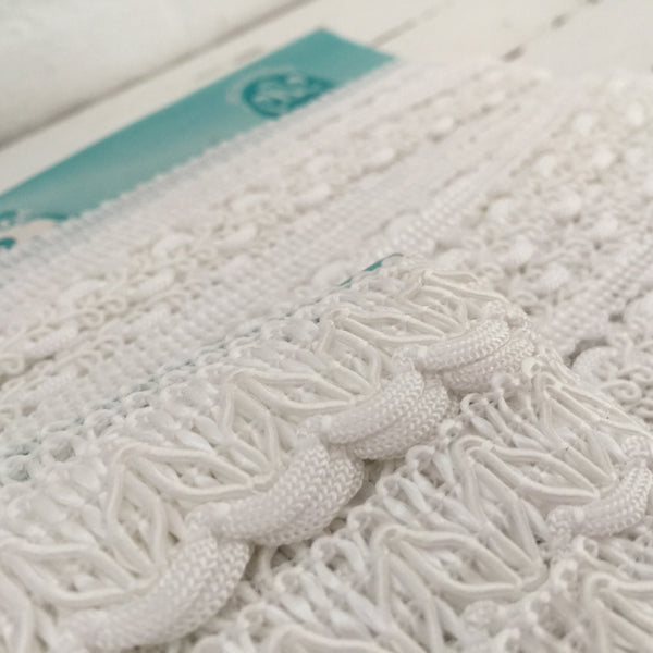 Vintage Trim Antique Charm Lovely Lace CRAFT Sewing WHITE