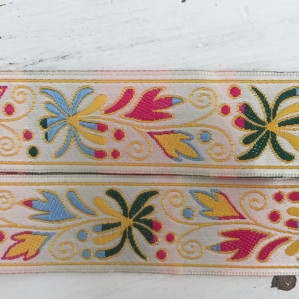 Lovely Vintage Ribbon Retro Floral Pattern Trim Embroidery