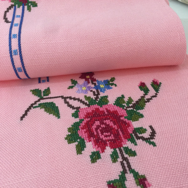PETIT POINT Table Runner PINK Handmade DOILEY 50's CHARM - Pink Peacock  - 2
