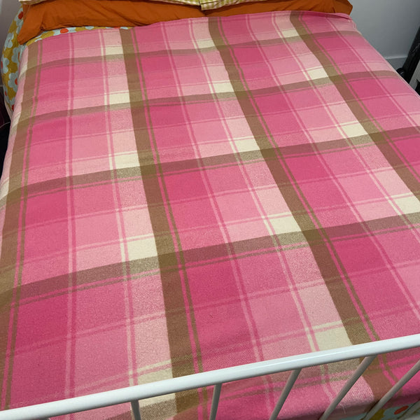 ONKAPARINGA Bright Pink Checked Blanket PURE WOOL 70's