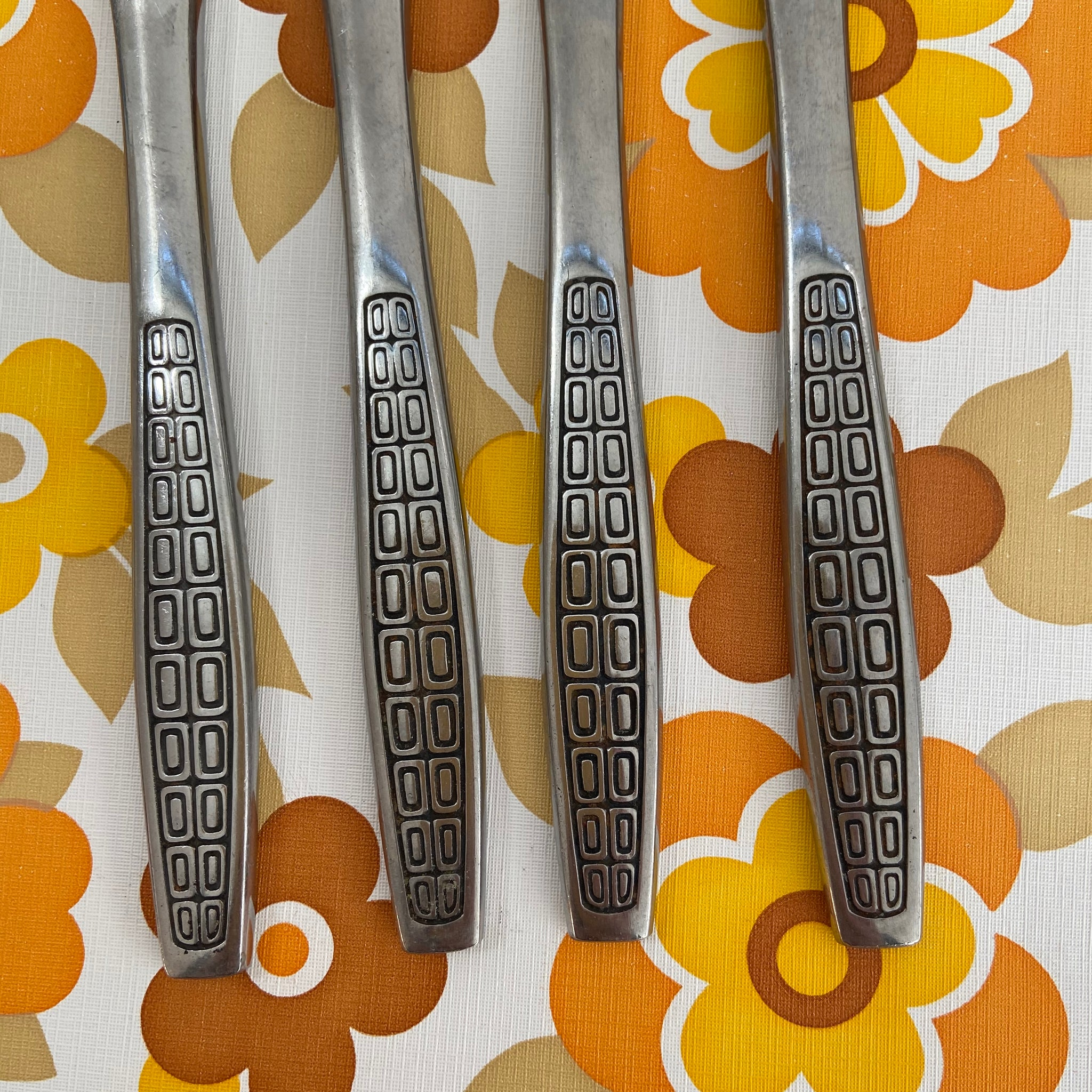 RETRO Vintage 70's Stainless Steel KNIVES Mid Century HOME