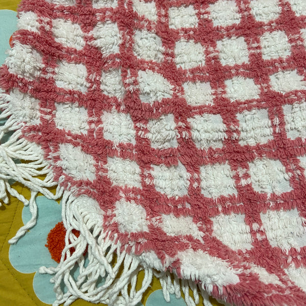 CHENILLE Pretty Pink & White Blanket Fresh , Bright & Plump