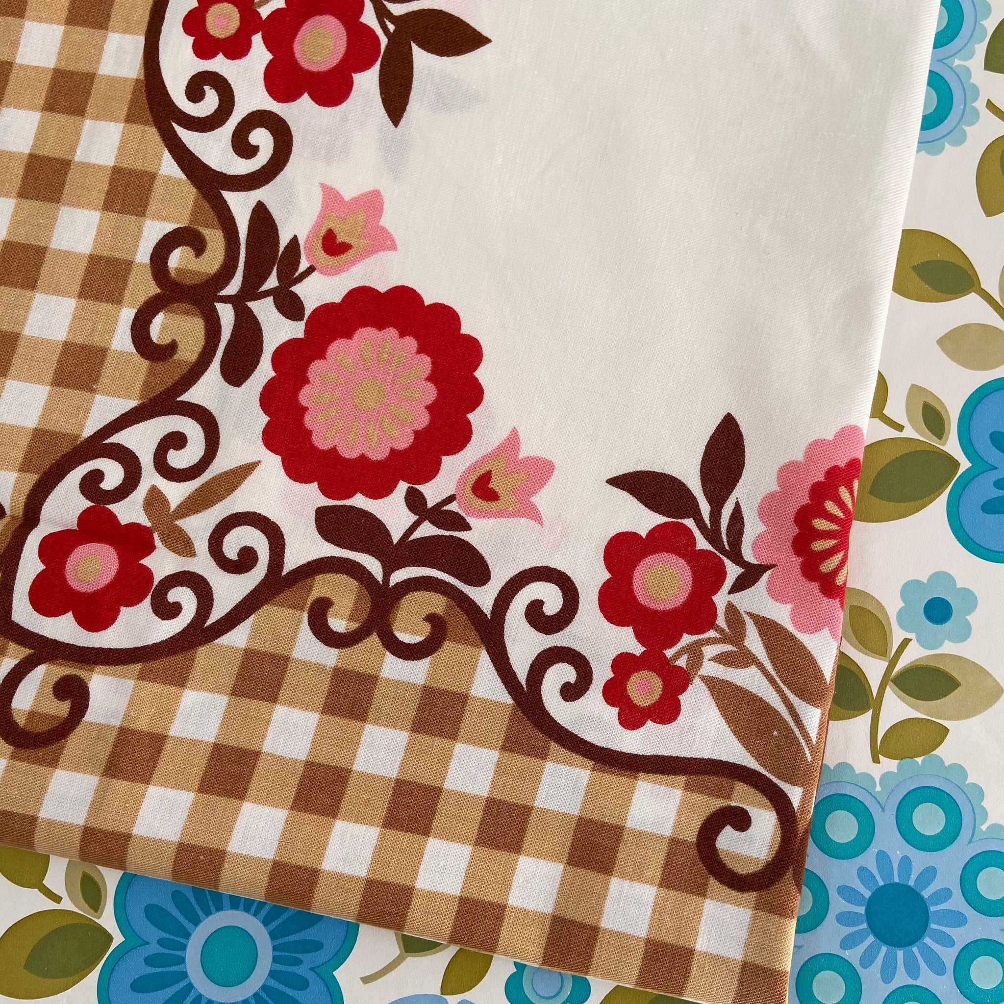 RETRO Table Cloth Floral Cotton Caravan Camping
