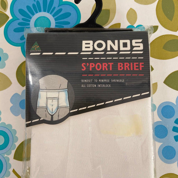 BONDS Retro Unused Stock White Briefs Size 22 ALL COTTON