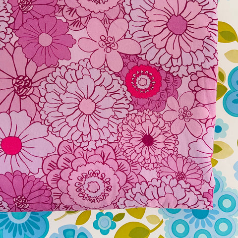 RETRO Style PURPLE Bold Floral Cotton FABRIC Patchwork Sewing