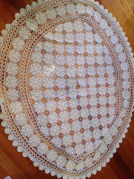 Sweet Vintage Crochet Floral Design Oval Table Cloth ~ Adorable - Pink Peacock  - 3