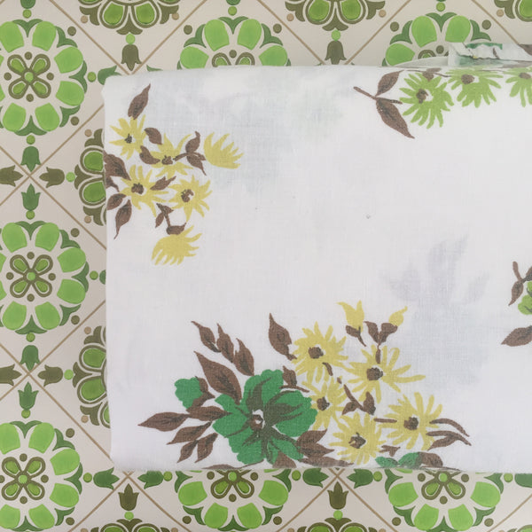 Vintage Cotton Sheet Green Floral PRINT Craft Fabric RETRO