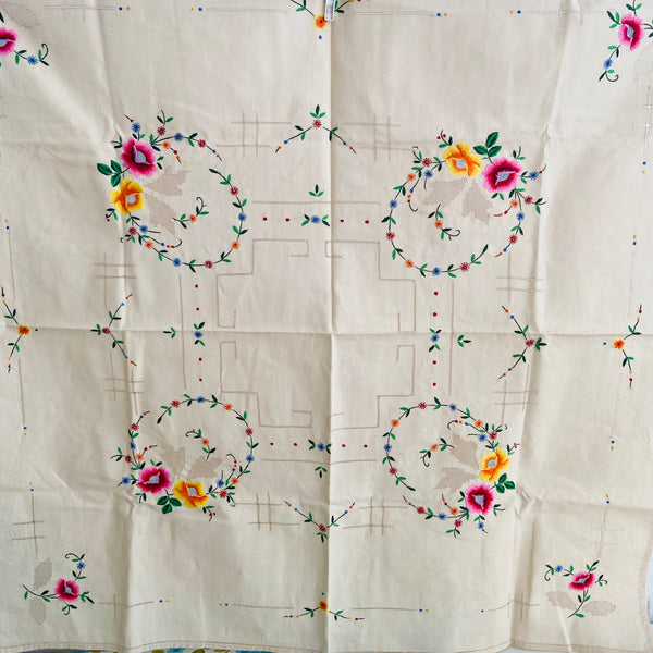 Crisp UNUSED Embroidered Table Cloth PRETTY Vintage