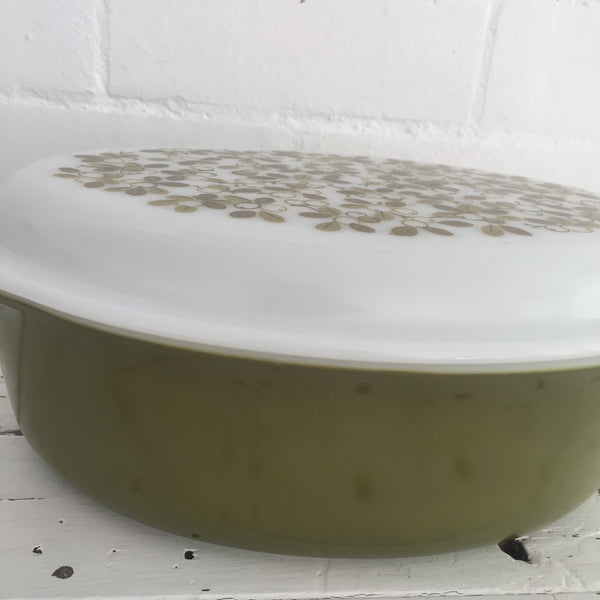 PYREX Green Retro Casserole Dish EXCELLENT Condition