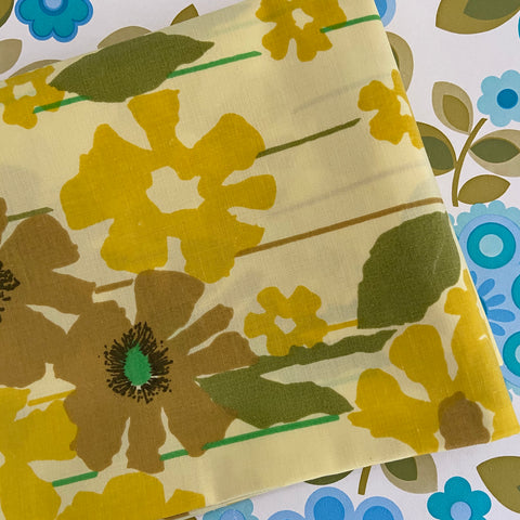 Cute PAIR of Retro Yellow Floral 70's Pillow Cases