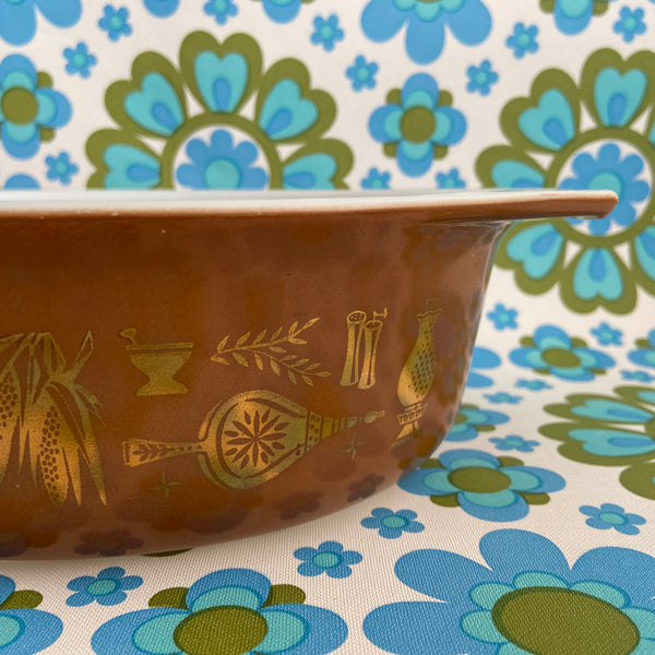 Early American PYREX Casserole DISH Lovely Condition Brown RETRO