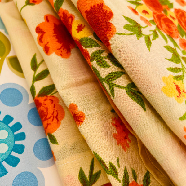 Cute Vintage Cotton Sheet ADORABLE Pretty Cotton Print Fabric