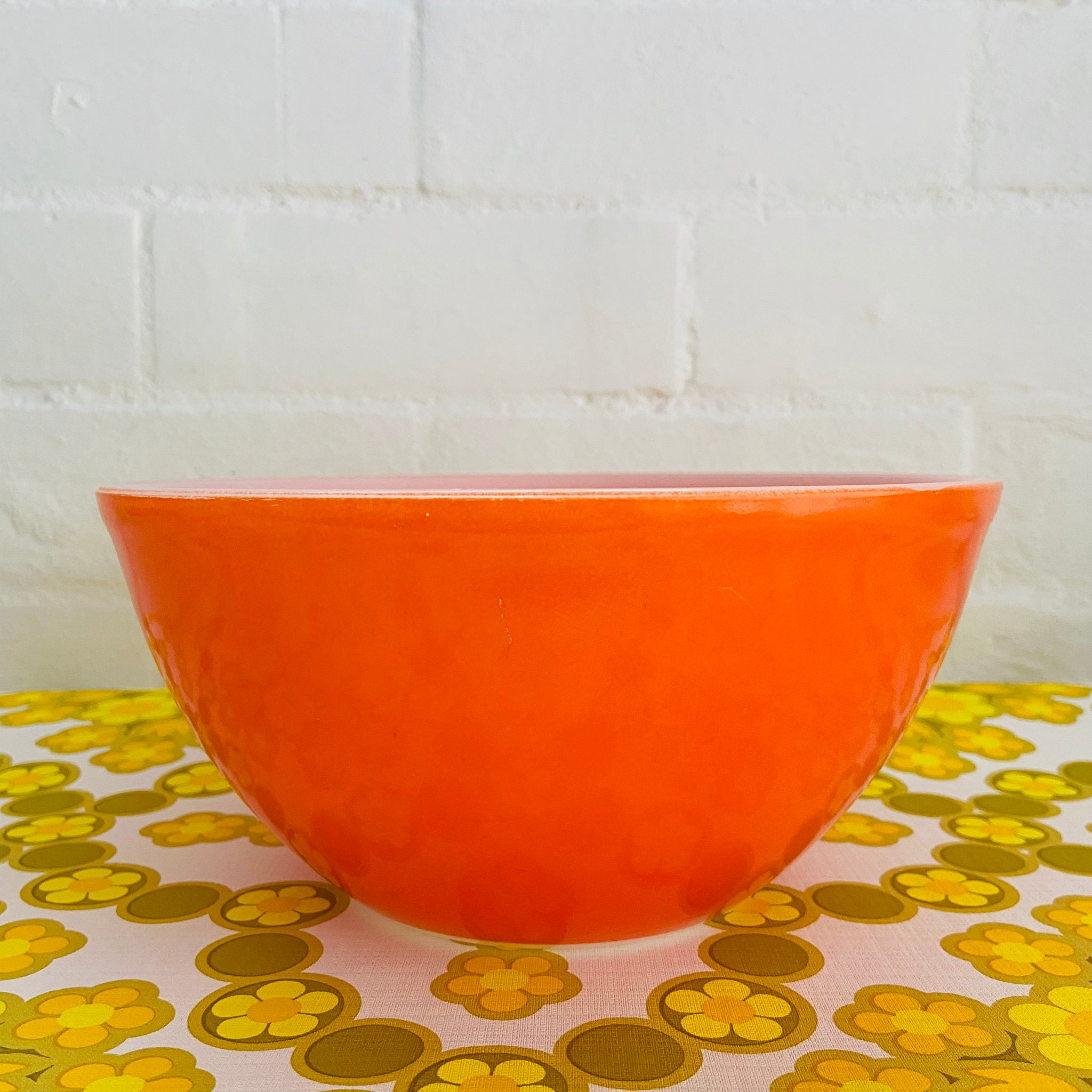 Large 70's Mixing BOWL (like Pyrex) Bright Old School